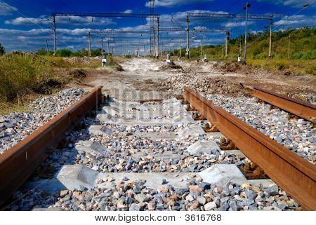 surrealistische Blick auf nicht abgeschlossene railway