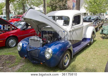 1940 Blue & White Ford Truck
