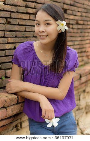 Thai Mädchen in Wiang Kum kam