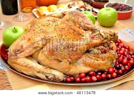 Cooked Turkey with Cranberry Apple Stuffing