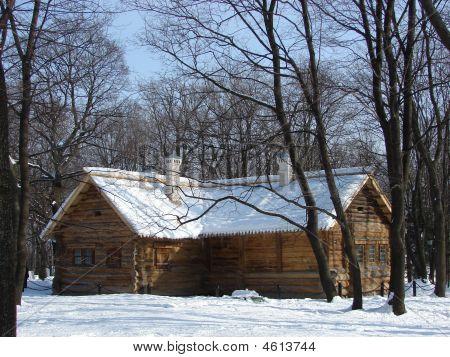 Russian Log Hut, Wooden Walls