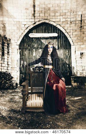 Netherworld Queen Stuck In Never Never Land