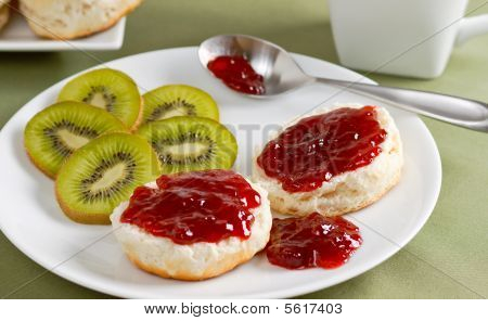 Buttermilk Biscuits With Jelly And Kiwi