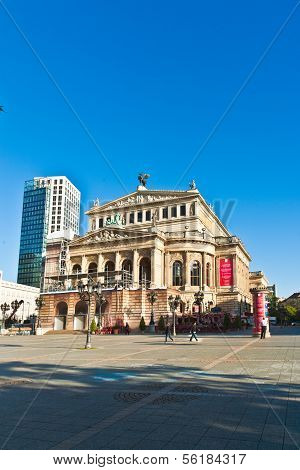 View To Rebuild Opera House In Frankfurt