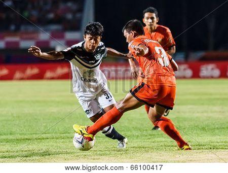 Sisaket Thailand-may 28: Nurul Sriyankem Of Chonburi Fc. (white) Runs For The Ball During Thai Premi