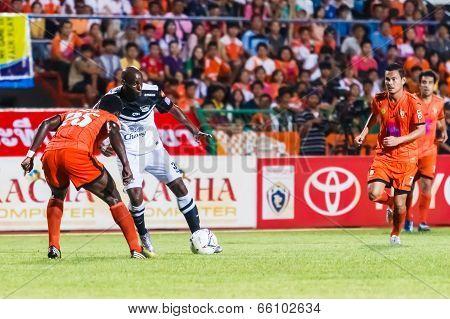 Sisaket Thailand-may 28: Jaime Braganca Of Chonburi Fc. (white) In Action During Thai Premier League