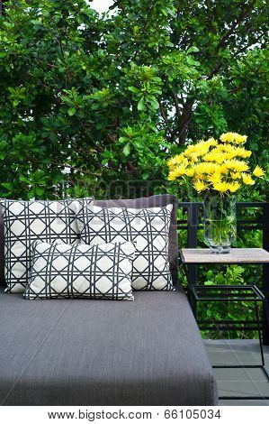 Outdoor Patio Seating With Daybed