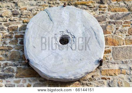 Age Millstone