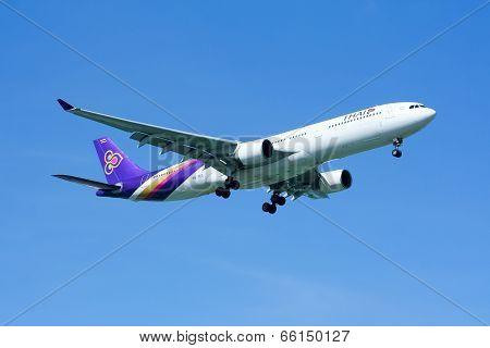 HS-TEG Airbus A330-300 of Thaiairway