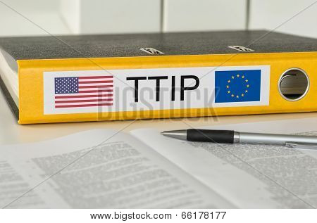 A yellow folder with the label  TTIP