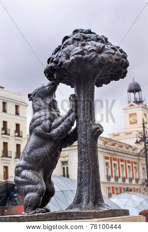 Bear And Mulberry Tree El Oso Y El Madrono Statue Symbol Of Madrid Puerta Del Sol Madrid Spain
