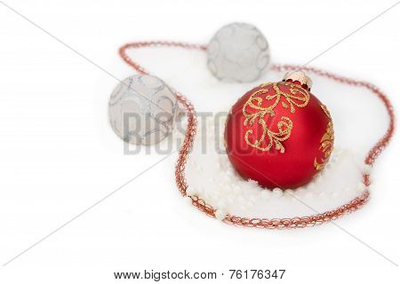 Christmas Red And White Ball,  Beads In Snow
