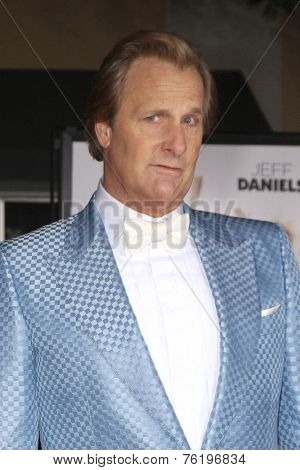 LOS ANGELES - NOV 3:  Jeff Daniels at the Dumb and Dumber To Premiere at the Village Theater on November 3, 2014 in Los Angeles, CA