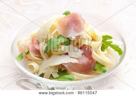 tagliatelle with ruccolla and prosciutto