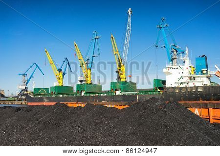 Loading And Unloading Of Coal At The Port