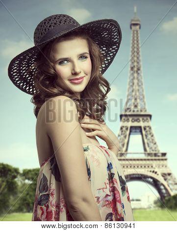 Summer Brunette