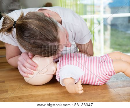 Baby Cpr Check For Signs Of Breathing