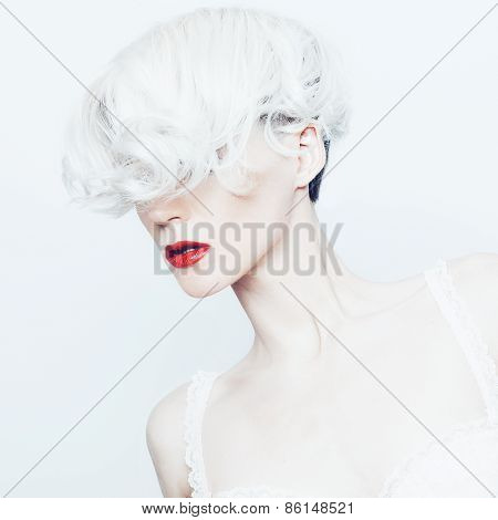 Fashion Portrait A Sensual Blonde Lady With Stylish Haircut