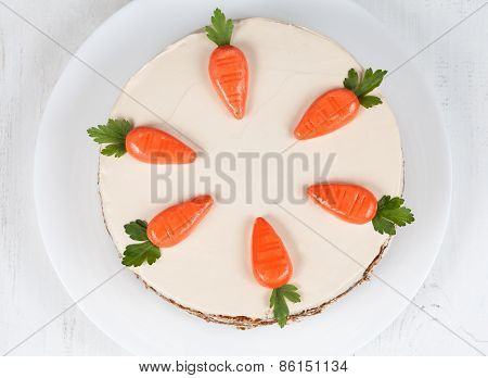 Easter carrot sponge cake with cinnamon and walnut