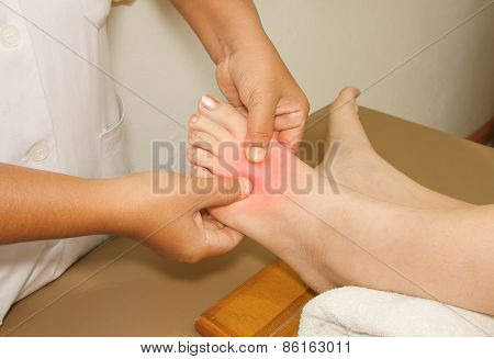 Painful Or Injury Toe And Foot,doctor Examining An Injury Foot