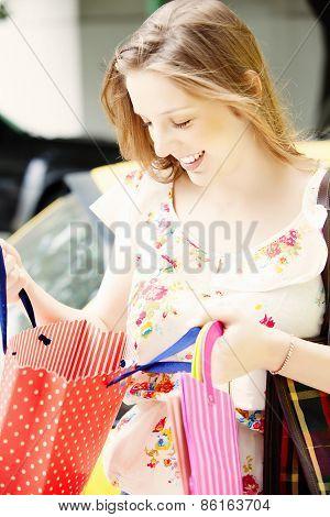 Gorgeus blond woman shopping