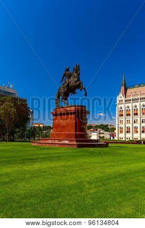 Rakoczi Statue In Parliament Square