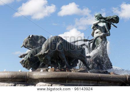 Gefion Fountain Side