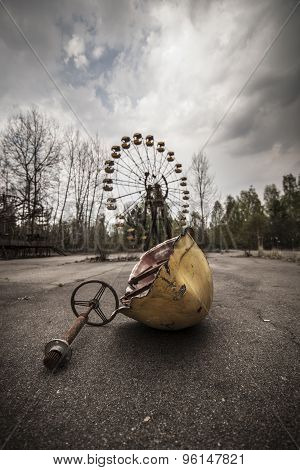 Ferris Wheel In Amusement Park In Pripyat