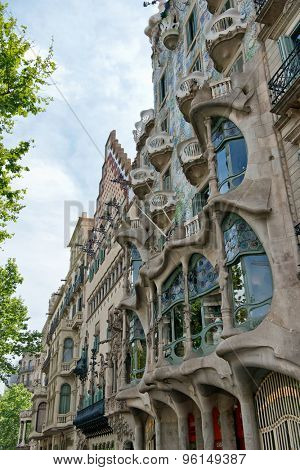 BARCELONA - MAY 01: The facade of the house Casa Battlo (also known as the house of bones) designed by Antoni Gaudi  in his famous expressionistic style on May 01, 2015 Barcelona, Spain