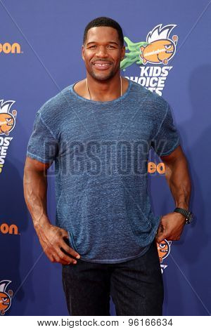 LOS ANGELES - JUL 16:  Michael Strahan at the 2015 Kids' Choice Sports at the UCLA's Pauley Pavilion on July 16, 2015 in Westwood, CA