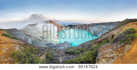 Sunrise at Kawah Ijen, panoramic view, Indonesia