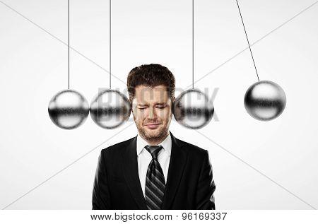 Head Metal Pendulum