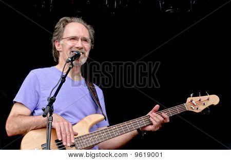 Yohawks Bassist