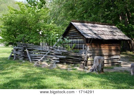 Colonial Spring House - Great Smoky Mountains Np