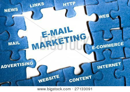 e-Mail marketing blaue Puzzle-Teile