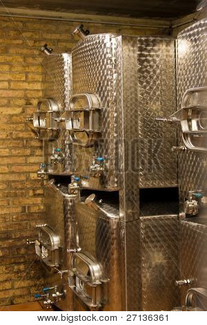 stainless aliminium fermentation tanks used for wine production