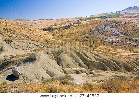 Desert wie Landschaft in Sizilien