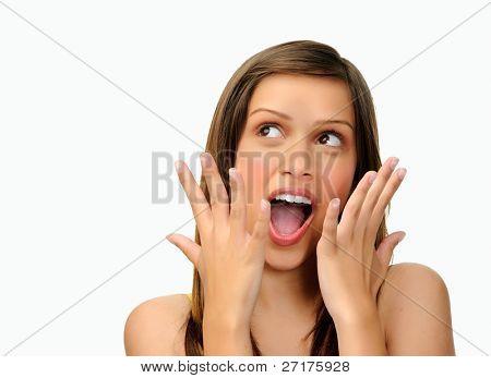chica con expresión sorprendido aislado en blanco