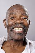 Постер, плакат: Портрет высокодетальные изобразительного искусства улыбка счастливый реальный человек