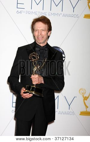 LOS ANGELES - 23 de setembro: Jerry Bruckheimer na sala de imprensa do 2012 Emmy Awards, no Nokia Theater