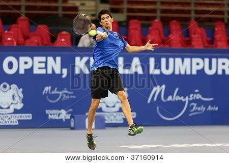 KUALA LUMPUR - SEP 22: Michael Yani de Estados Unidos juega en el partido de la ATP Tour Malasia
