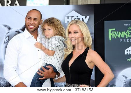 "LOS ANGELES - SEP 24:  Hank Baskett, Hank Baskett Jr., Kendra Wilkinson arrives at the ""Frankenweenie"" Premiere at El Capitan Theater on September 24, 2012 in Los Angeles, CA"