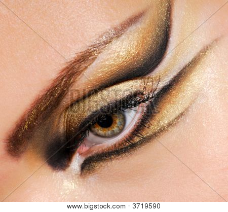 Close-Up Woman\'S Eye