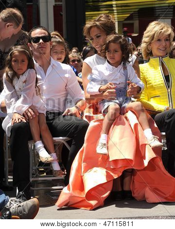 LOS ANGELES - JUN 20:  Emme Anthony, Casper Smart, Jennifer Lopez, Max Anthony at the Hollywood Walk of Fame ceremony for Jennifer Lopez at the W Hollywood Hotel on June 20, 2013 in Los Angeles, CA