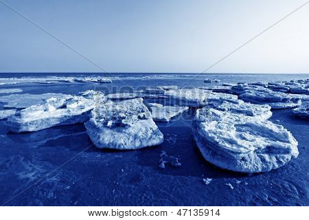 Coast Residual Ice Natural Scenery