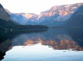 Постер, плакат: Отражение озеро Австрия