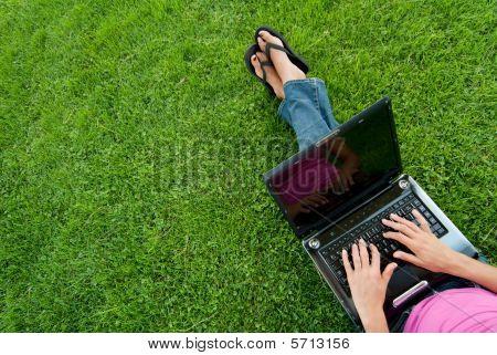 Hierba de Laptop de mujer