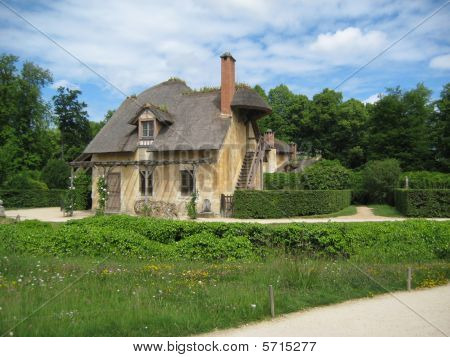 Private Estate in Versailles