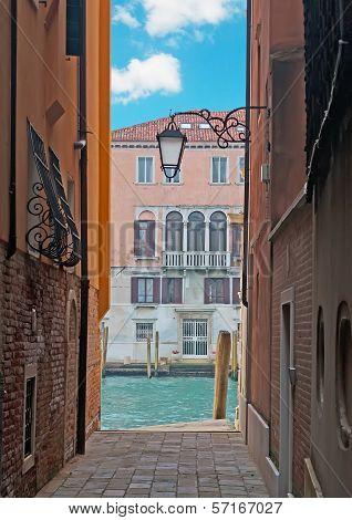 Venice Backstreet