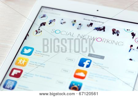 Social Networking Apps On Apple Ipad Air